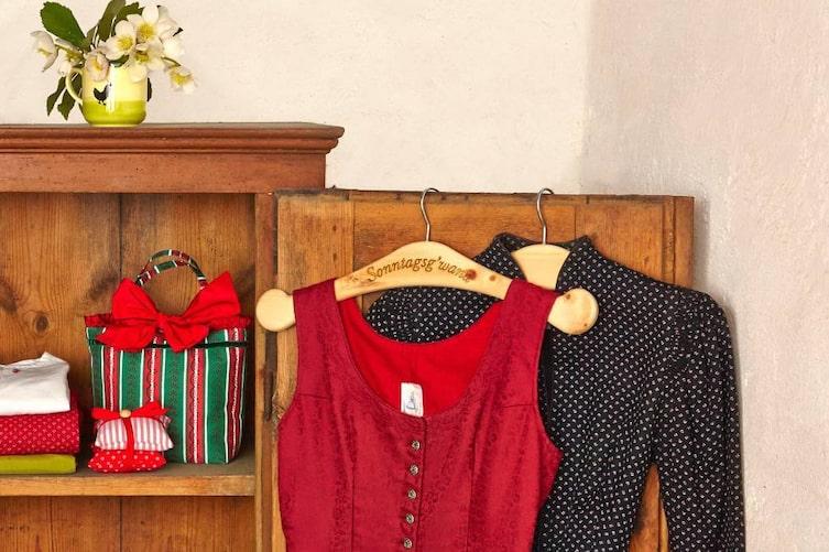 Zirben-Kleiderbügel aus dem Ausseerland (Foto: Servus am Marktplatz)
