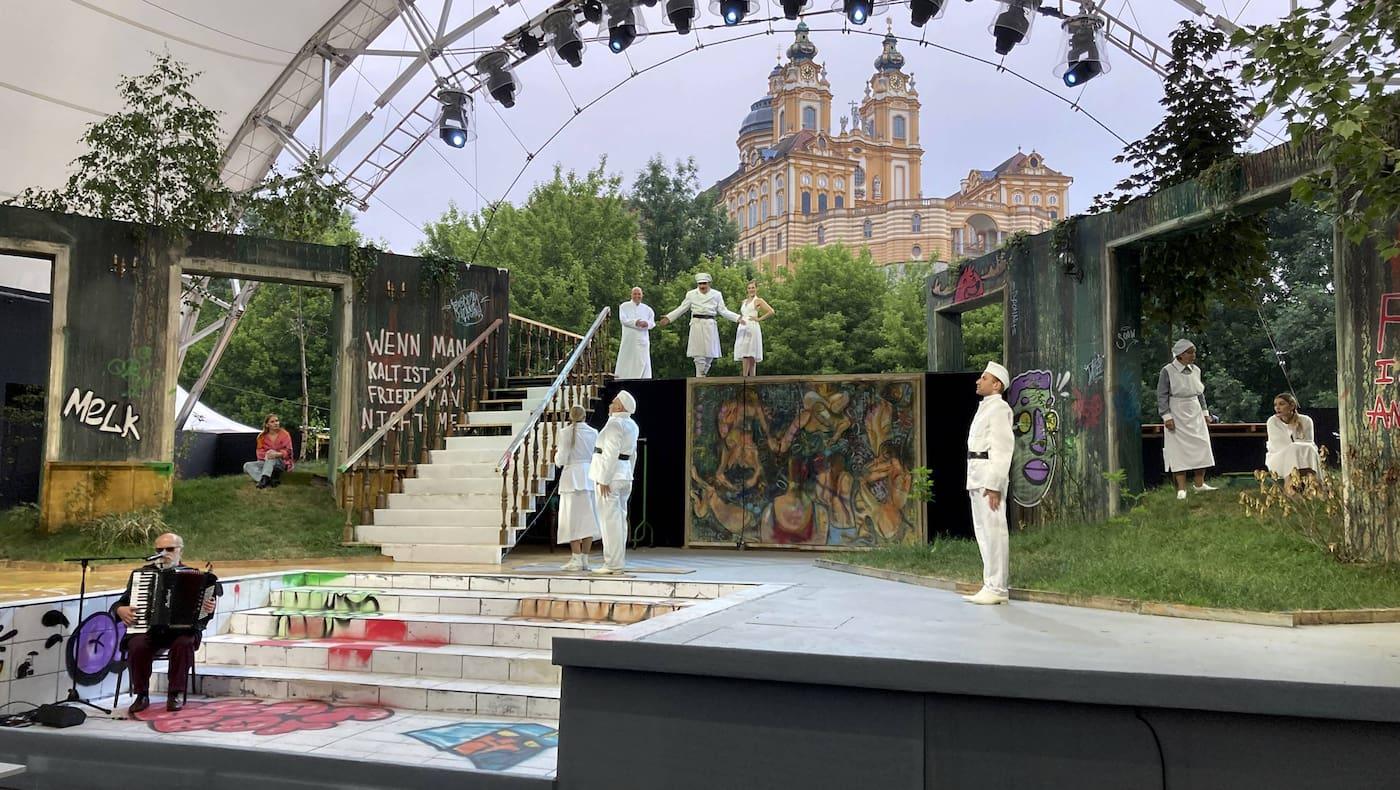 Melk, Wachaubühne, Die 10 Gebote, Ensemble, Bühne, Theater, Sommerspiele