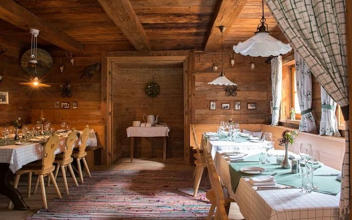 Hallerwirt in Tirol, Wirtshaus Tirol, Ausflug Tirol, Essen in Tirol