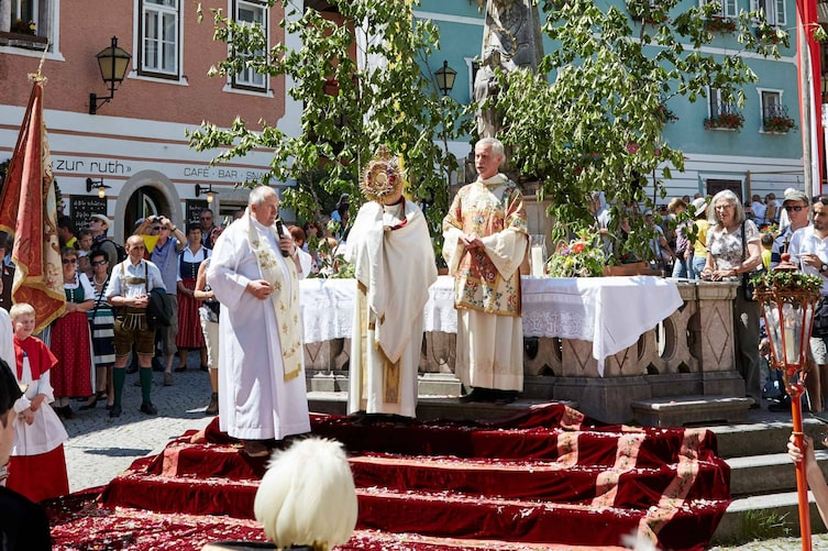 Messe zu Fronleichnam in Hallstatt (Bild: Paul Kranzler)