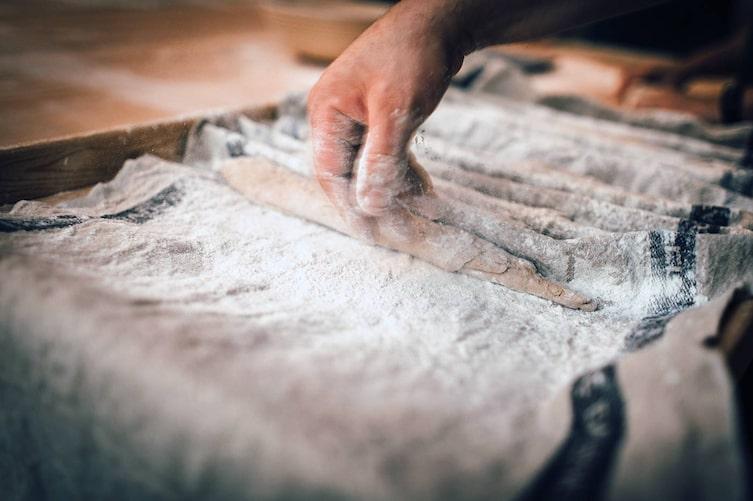 In Brotbackkursen in ganz Österreich lernt man, wie gutes Brot und Gebäck gelingt.