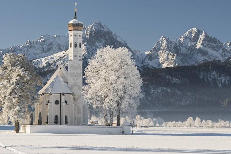 St. Coloman, Tannheimer Berge, Allgäu, Bayern, Deutschland (Bild: Mauritius Images)