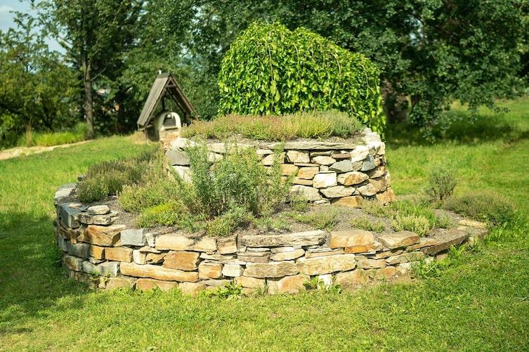 Garten, Garteln mit Starkl, Trockenmauer bauen