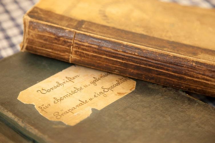 Rezeptbuch der Edelweißapotheke, Vera Ottowitz, Schladming, Handwerk