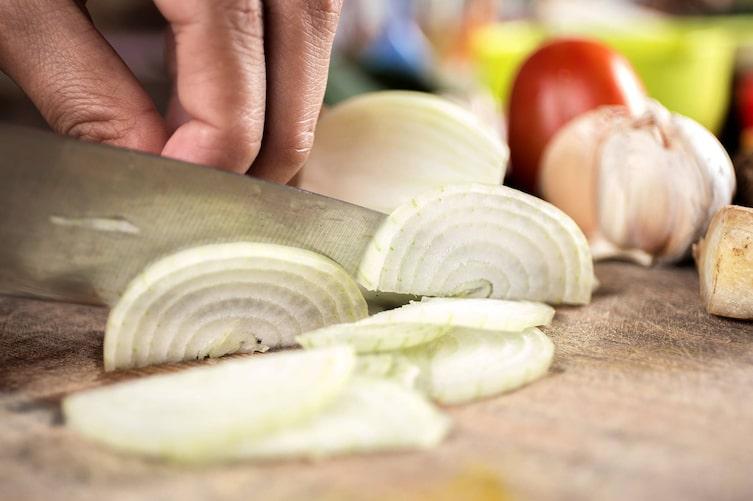 Hilfe bei Zwiebelgeruch an den Händen (Bild: Pixabay)