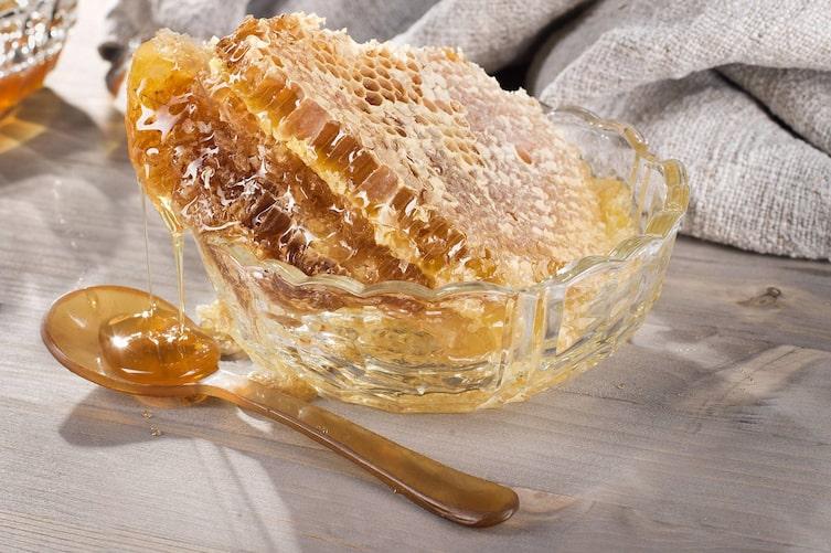 Honig, Honigwabe, Löffel, Bienenhonig, Naturheilkunde, Naturapotheke