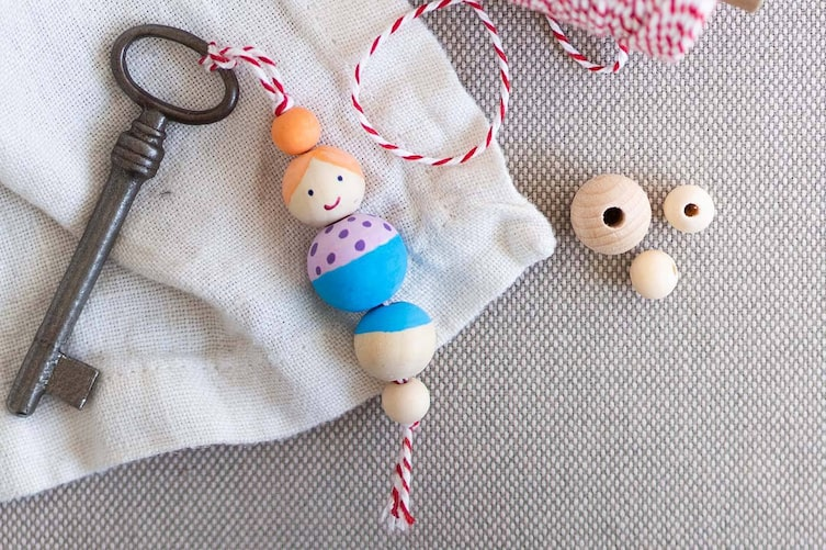 Schlüsselanhänger mit Holzperlen (Foto: Anna Schober)