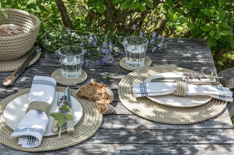 Brotkorb und Tischsets aus Seilen selber machen (Bild: Michaela Gabler)