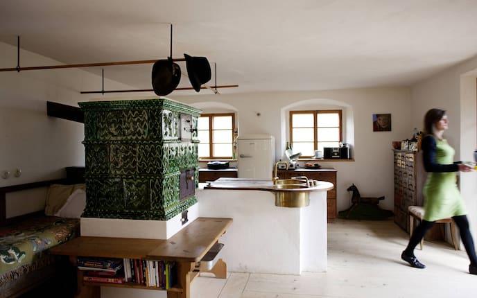 Wohnen, Hausbesuch, Kachelofen, Küche