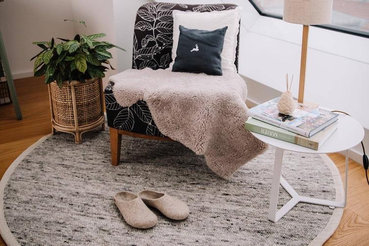 Schafwollteppich, Sessel, Dachwohnung, Einrichtung