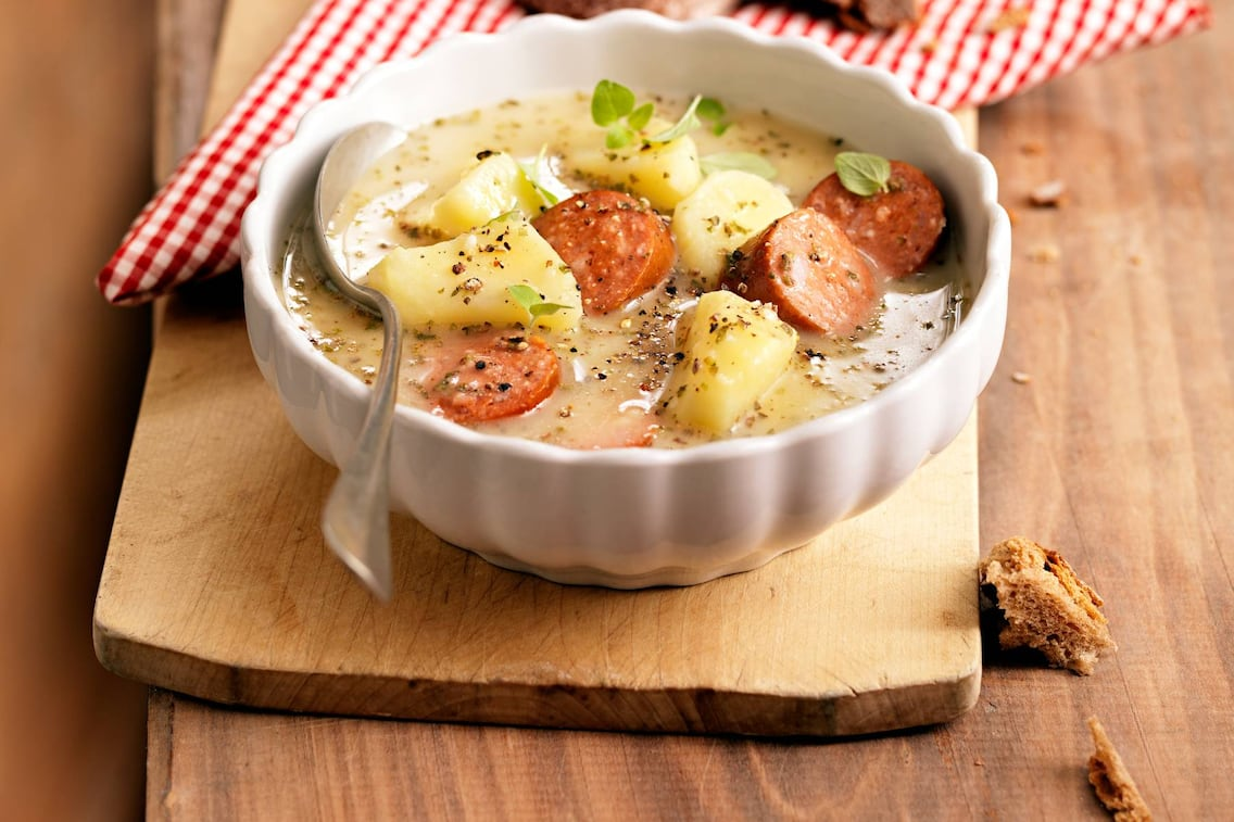 Puchberger Bratwurstsuppe, Erdäpfelsuppe, Suppe mit Würstel, Suppe, Servus-Rezept