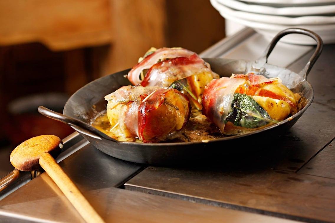 Tiroler Riedele, Kartoffel Rezept, Graukäse, Erdäpfel mit Speck, Servus-Rezept