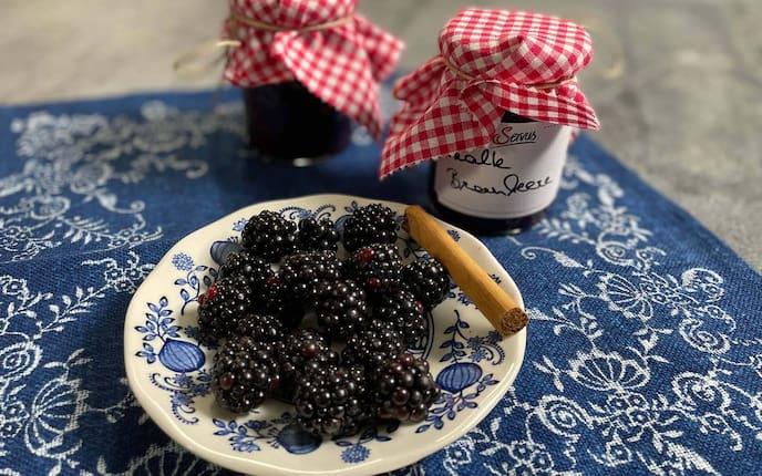 Brombeeren, Zimtstange, Marmelade, Brombeer-Marmelade