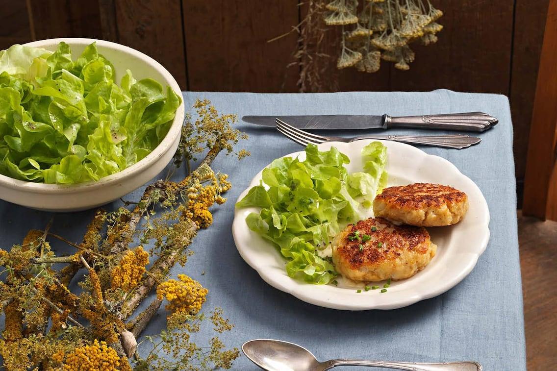 Kaspressknödel, Käse, Knödel, grüner Salat, Hauptspeise, Xandi Rieder, Servus Rezept