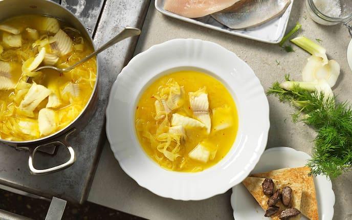 Fisch, Fischsuppe, Suppe, Kraut, Toast, Dille, Salz, Servus Rezept
