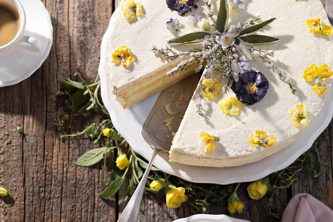 Torte, Cremetorte, Blumen, Nachspeise, Servus Rezept