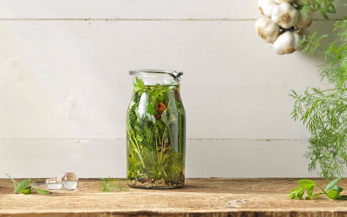 Kräuter, Knoblauch, Öl, Servus Rezept