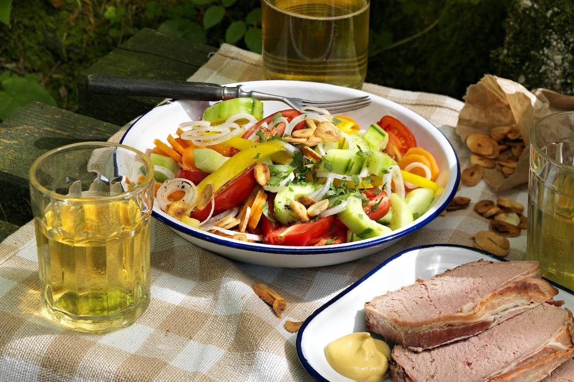 Rezept bunter Gemüsesalat (Bild: Eisenhut & Mayer)