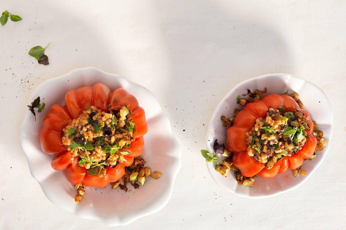 Gefüllte Ochsenherzen-Tomaten, Paradeiser gefüllt, Dinkelreis, Servus Rezept
