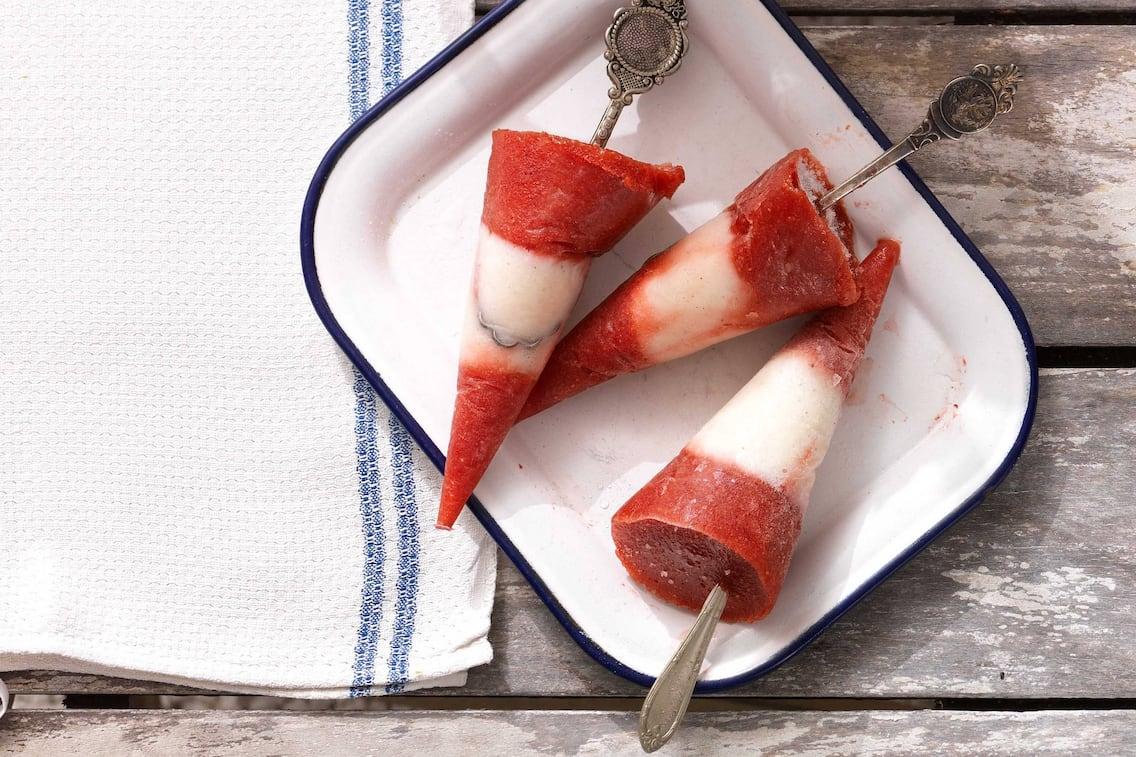 Erdbeer-Eislutscher (Bild: Eisenhut & Mayer)