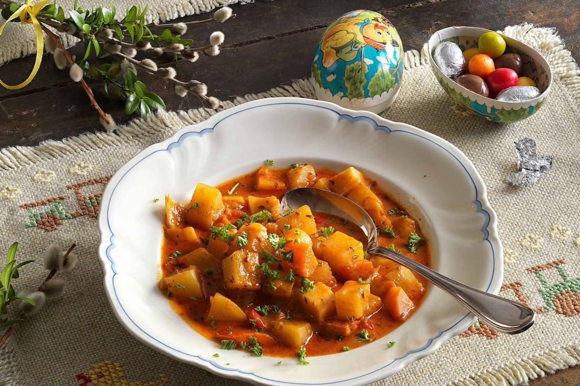 Fastengulasch, Gulasch ohne Fleisch, vegetarisches Gulasch, Kartoffel, Erdäpfel, Servus rezept