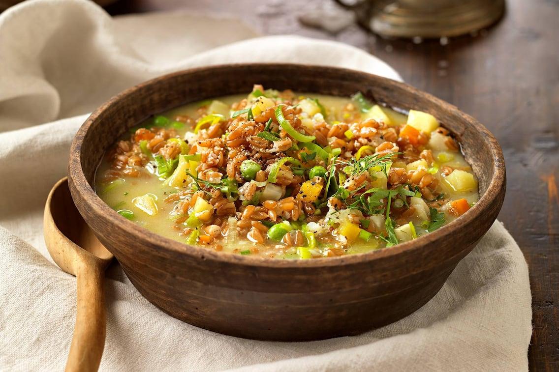 Gemüseeintopf mit Dinkel, Eintopf mit Gemüse und Dinkel, Eintopf-Rezept, vegetarischer Eintopf, vegetarisches Rezept, Servus-Rezept