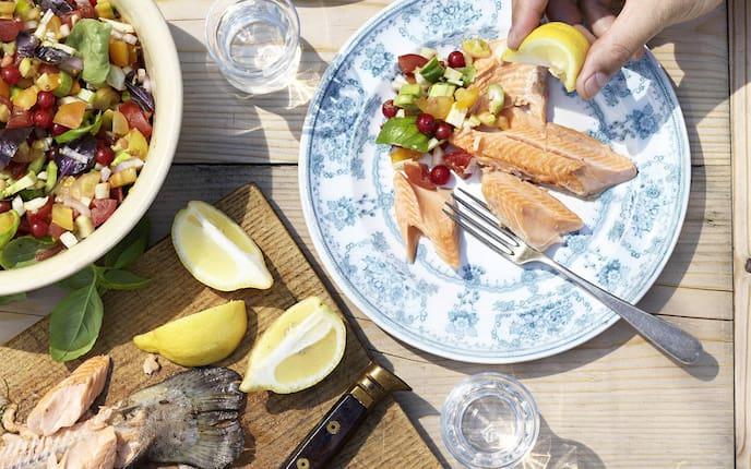 Geräuchert, Lachsforelle, Paradeiser, Ribisel. Salat, Rezept