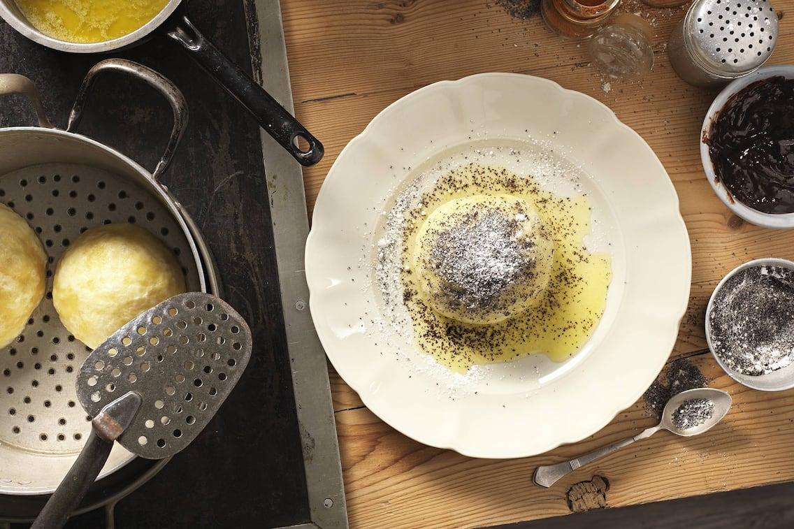 Germknödel mit Mohn und Butter (Bild: Eisenhut & Mayer)