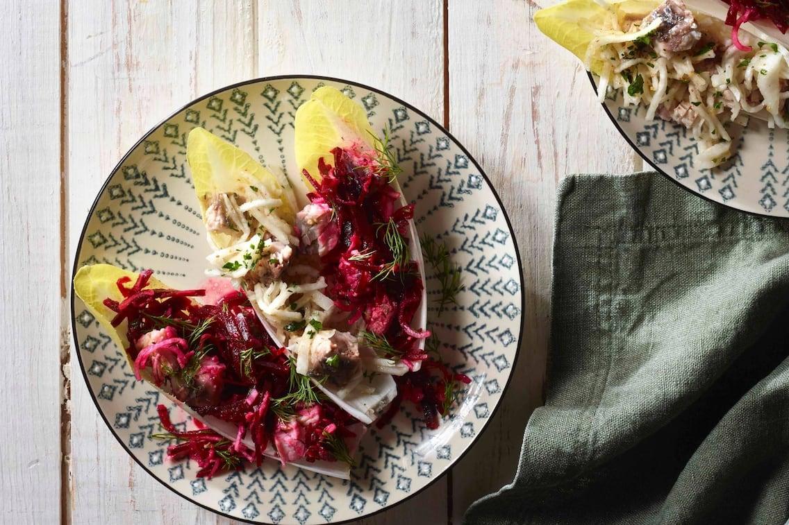 Fisch, Karpfen, Rettichsalat, Rote-Rüben-Salat, Salat,