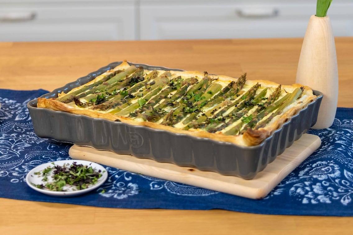 Topfenkuchen, Grüner Spargel, Blätterteig, Blaudruck, Auflaufform