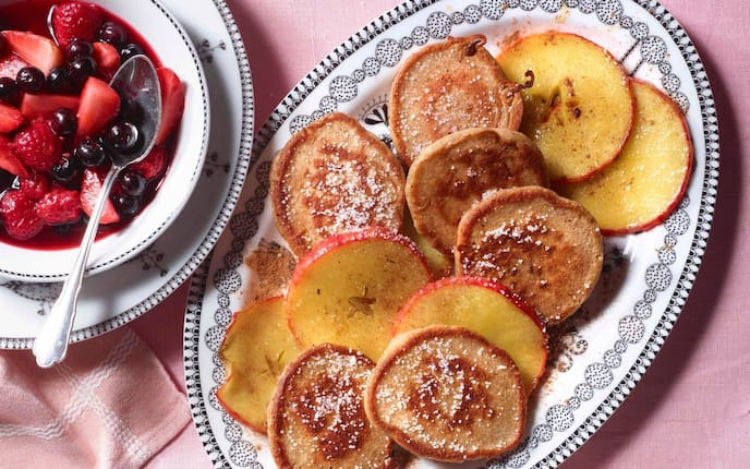 Blinis, Laibchen, Beerensauce, Äpfel, Jause, Frühstück, Servus Rezept