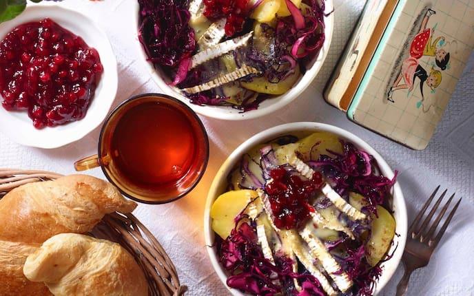 Rotkraut, Erdäpfel, Tee, Croissant, Marmelade, Frühstück, Servus Rezept