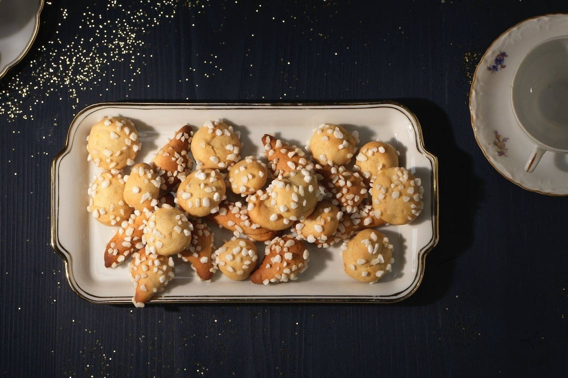 Zuckerbusserl, Hagelzucker, Porzellan, Kekse, Plätzchen, Weihnachten, Servus Rezept