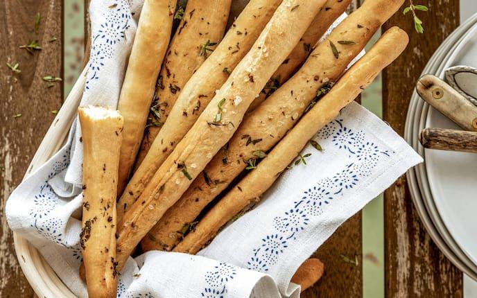 Kräuterstangerl, Grissini, Gebäck, Kräuter