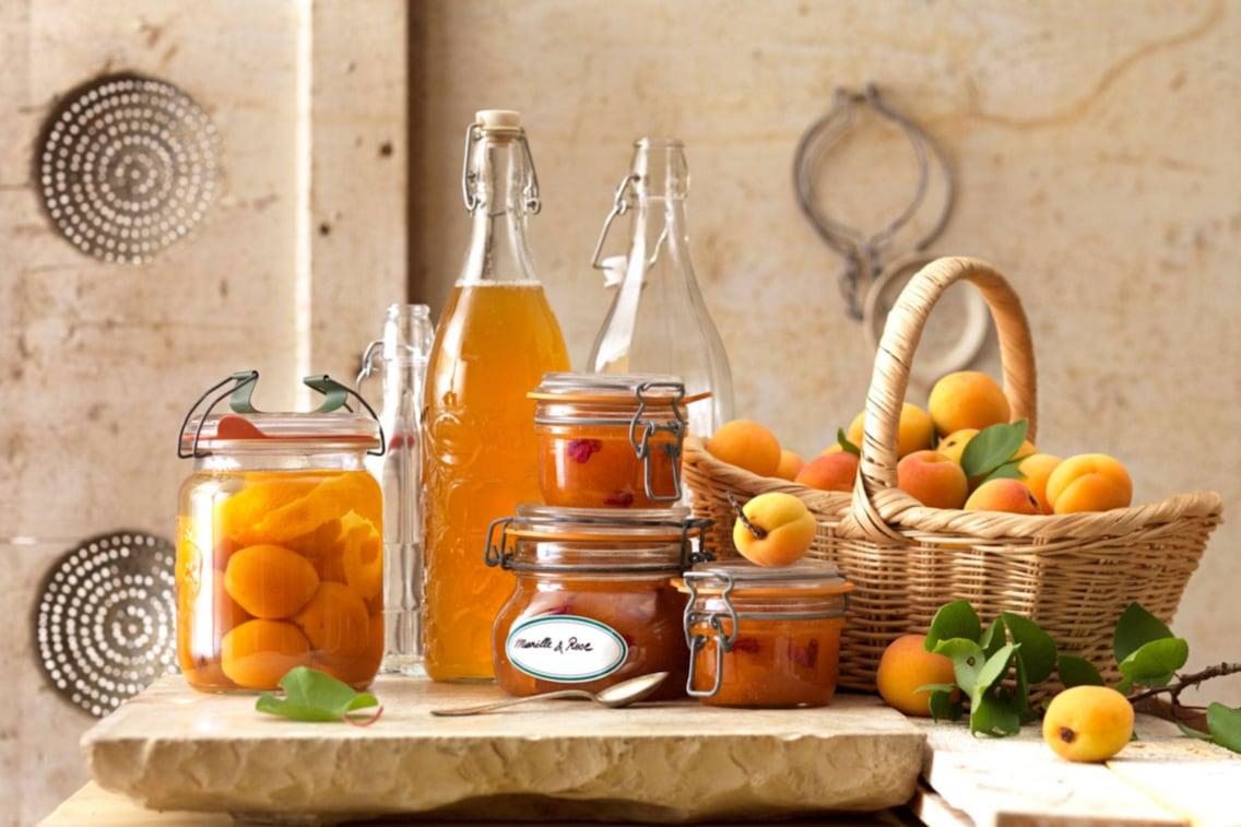 Marillenmarmelade mit Rosenblättern, Marillen, Marmelade, Rosenmarmelade, Marmeladenrezept, Servus Rezept