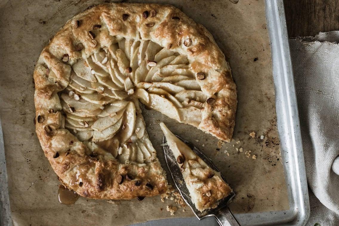 Apfelschlingel, Backpapier, Backblech, Tortenschaufel, Kuchen, backen, Servus Rezept