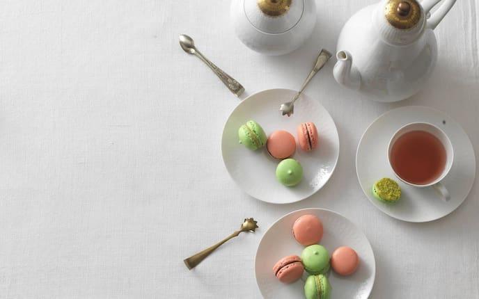 Makronen, Tee, Porzellangeschirr