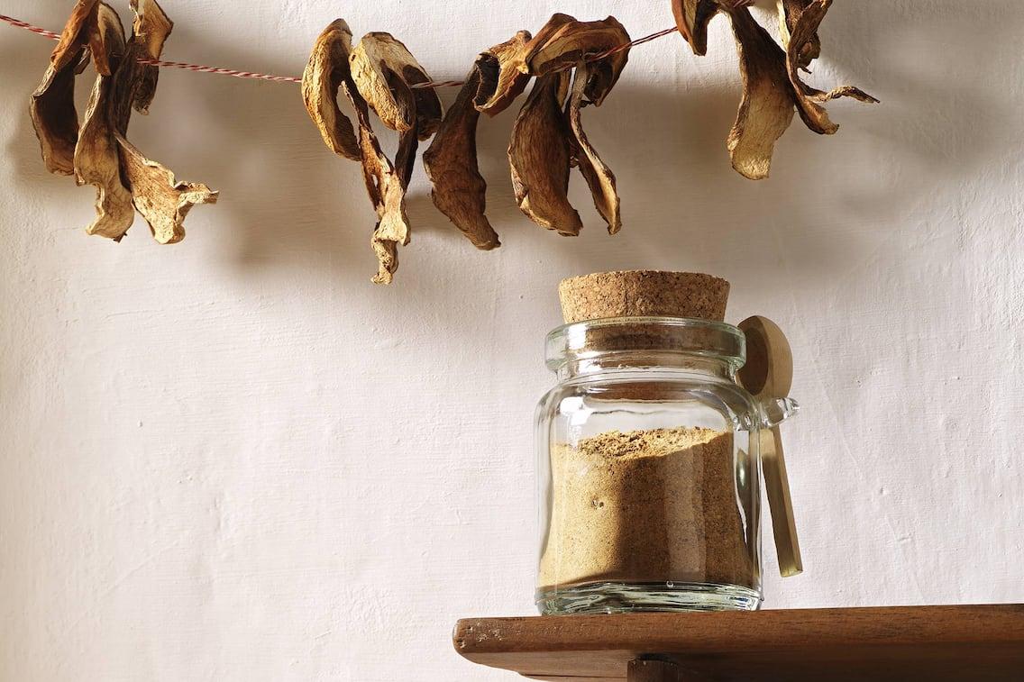 Pilzpulver mit Parasol, Pilz, Schwammerl, Pulver, Würzmittel, Pilzpulver Rezept, Servus Rezept
