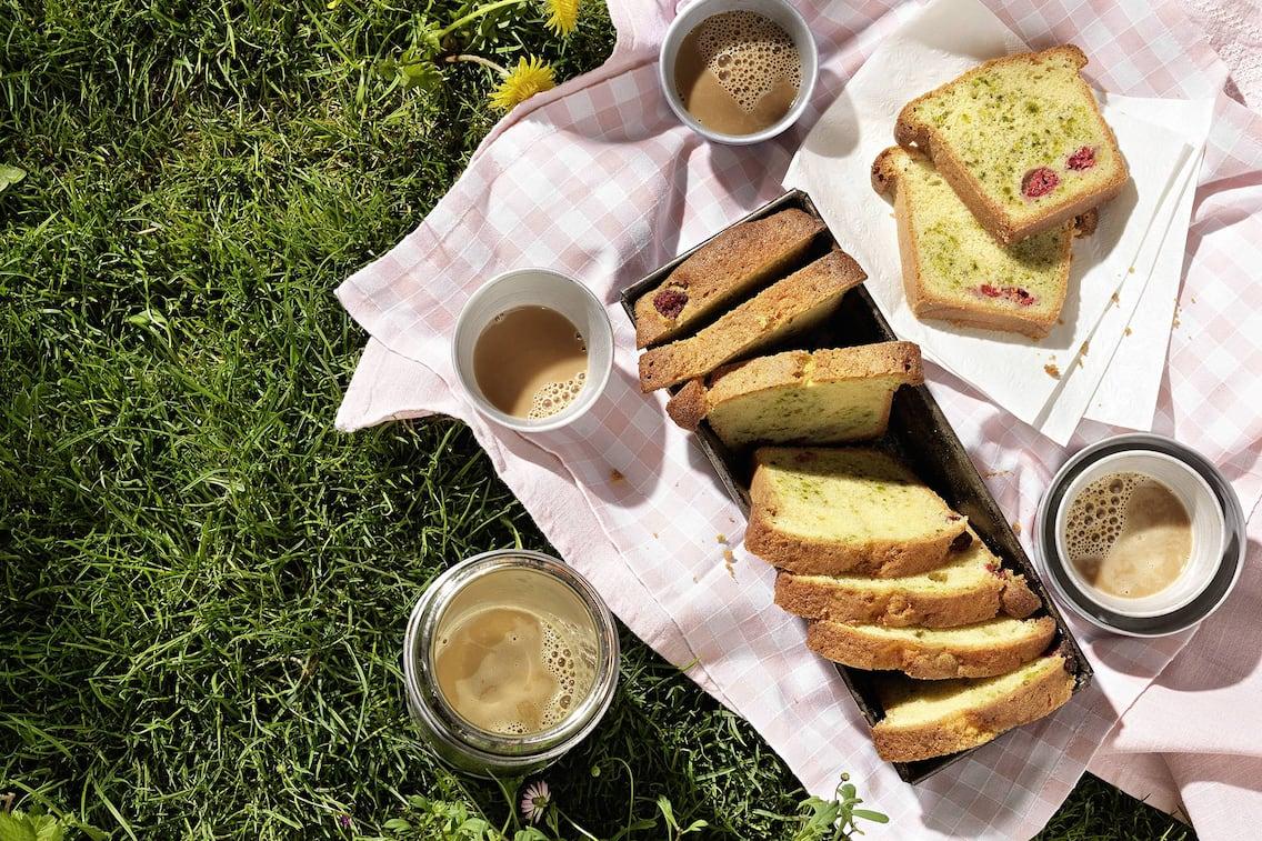 Pistazien-Marmorkuchen, Marmorkuchen, Kuchen, Himbeeren, Pistazien, Kaffee, Nachspeise, Servus Rezept