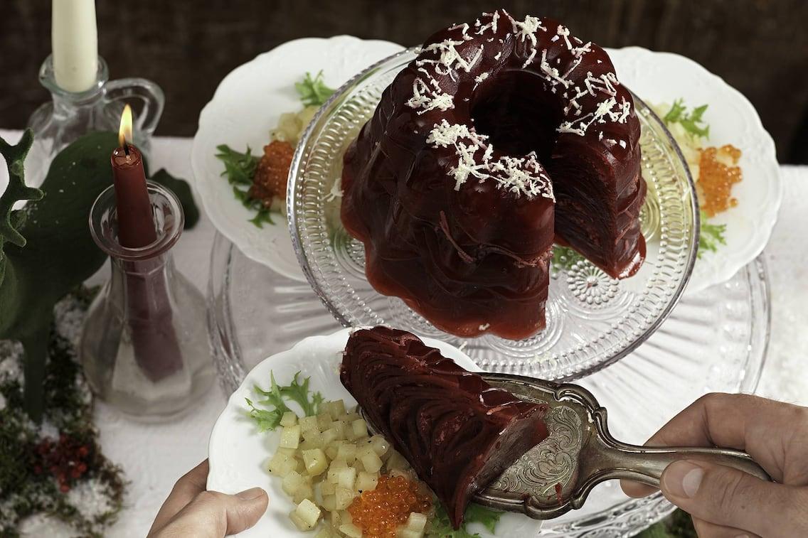 Rote-Rüben-Sulz, Birnen, Forellenkaviar, Vorspeise, Fisch, Servus Rezept