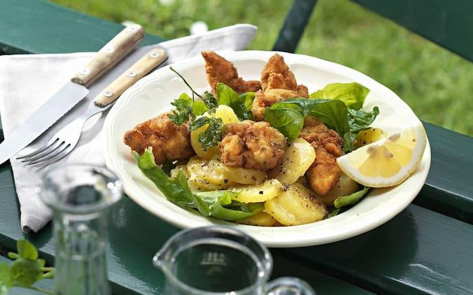 Spinat Backhenderl Salat, Backhendl, Backhuhn, gebackenes Huhn, Huhn Rezept, Servus Rezept