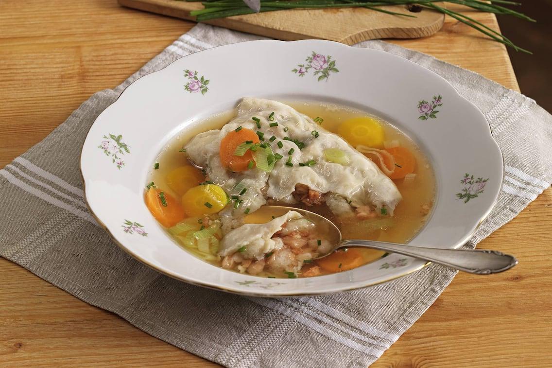 Suppenstrudel mit Grammeln (Bild: Eisenhut & Mayer)
