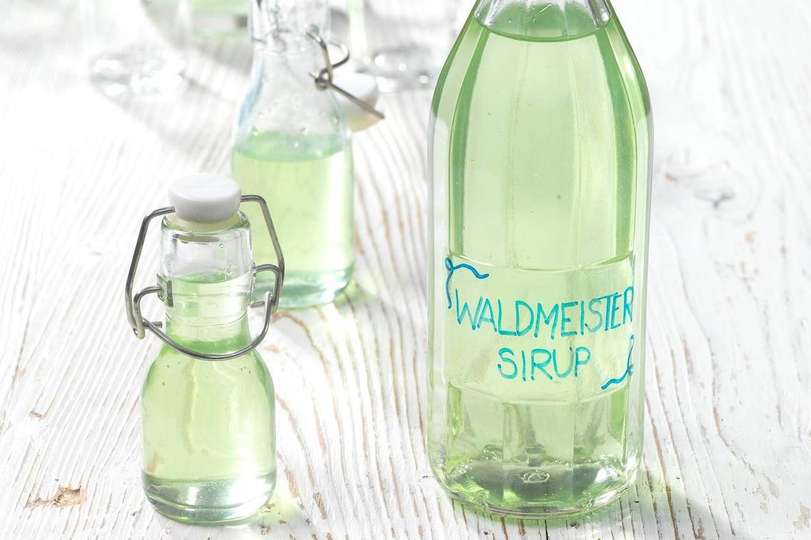 Waldmeister-Sirup (Bild: Eisenhut & Mayer)