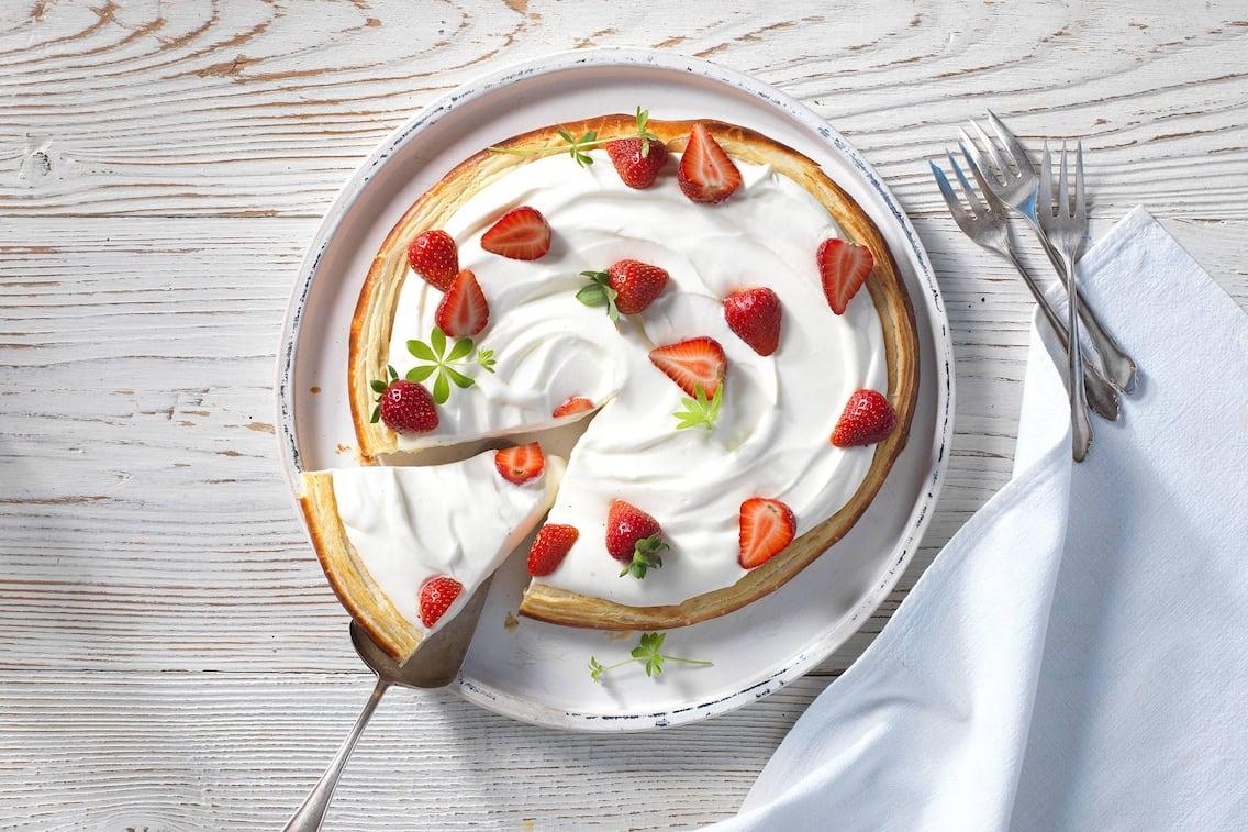 Waldmeister-Tarte, Tarte, Blätterteig, Creme, Erdbeeren, Nachspeise, Servus Rezept
