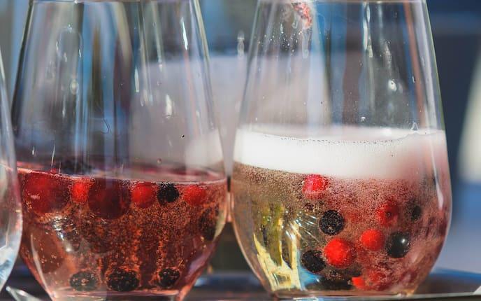 Beeren, Sekt, Ribisel, Heidelbeeren, trinken