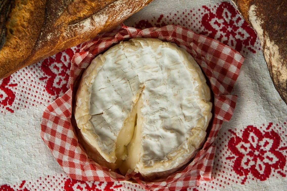 Camembert, geschmolzen, Vorspeise, Brot, Servus Rezept